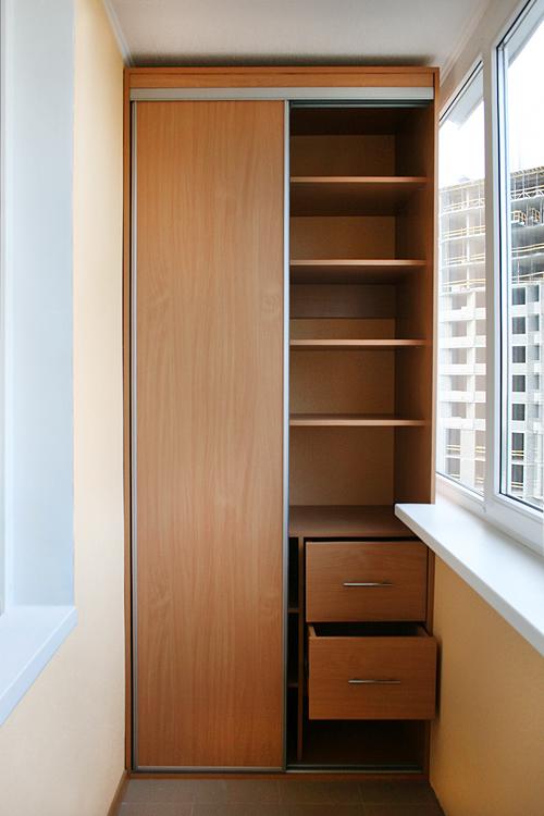 Шкаф купе встроенный шкаф на балконе