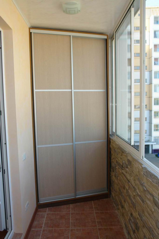 Шкафы купе на балкон и для лоджий на заказ угловые- фото 1 ф.